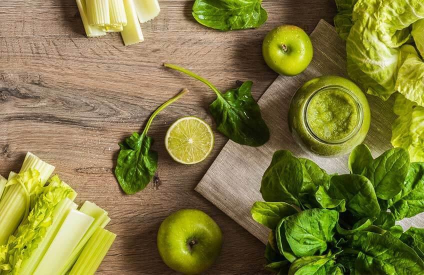 Bilde-grønne-frukt-og-grønnsaker-for-detox-og-detoksifisering
